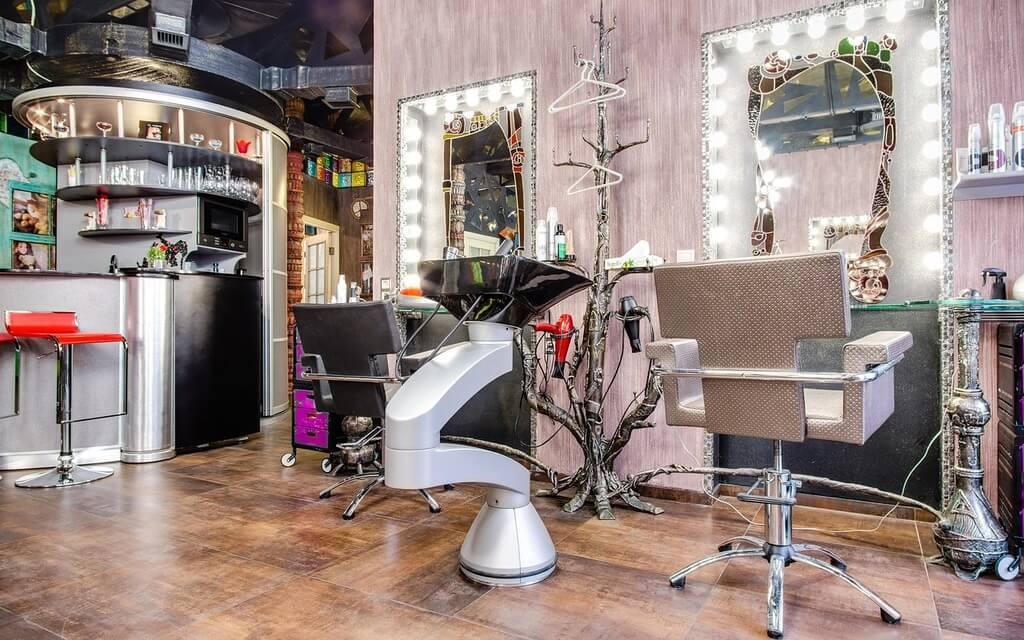 кресло - Из чего складывается стоимость парикмахерского кресла? Как выбрать и на чем сэкономить?