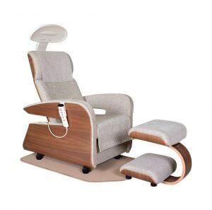 кресло HAKUJU 300x297 - Физиотерапевтические массажные кресла - роскошь или необходимость?