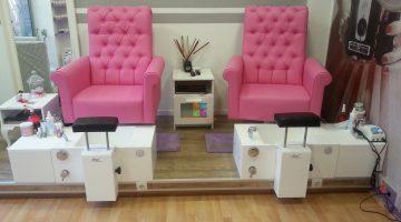 кресла в салон 360x200 - 5 лучших педикюрных кресел