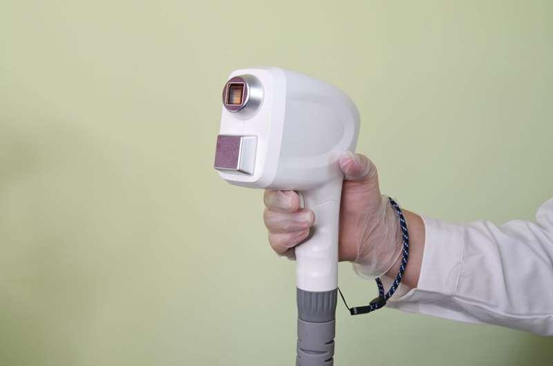 02 - Обзор аппарата для лазерной эпиляции LL1